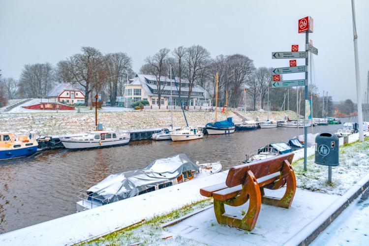 Rüstersieler Hafen in Wilhelmshaven