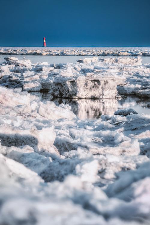 Eis auf dem Jadebusen in Wilhelmshaven